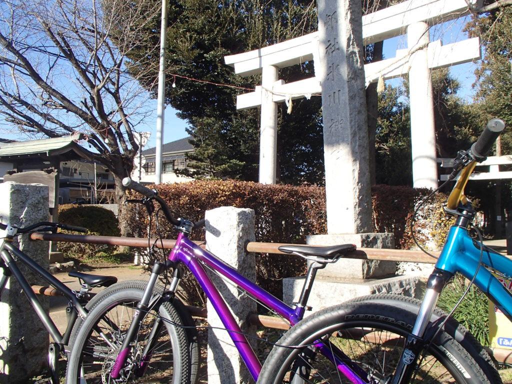 MTBモーニングライド、初詣で安全祈願!