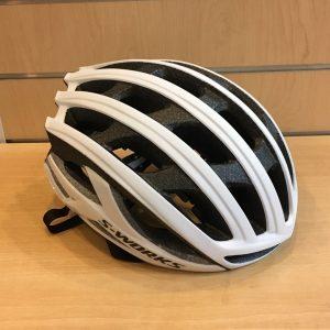 新製品 スペシャライズドの新型ヘルメット ANGi センサー/ MIPS搭載 ヘルメット