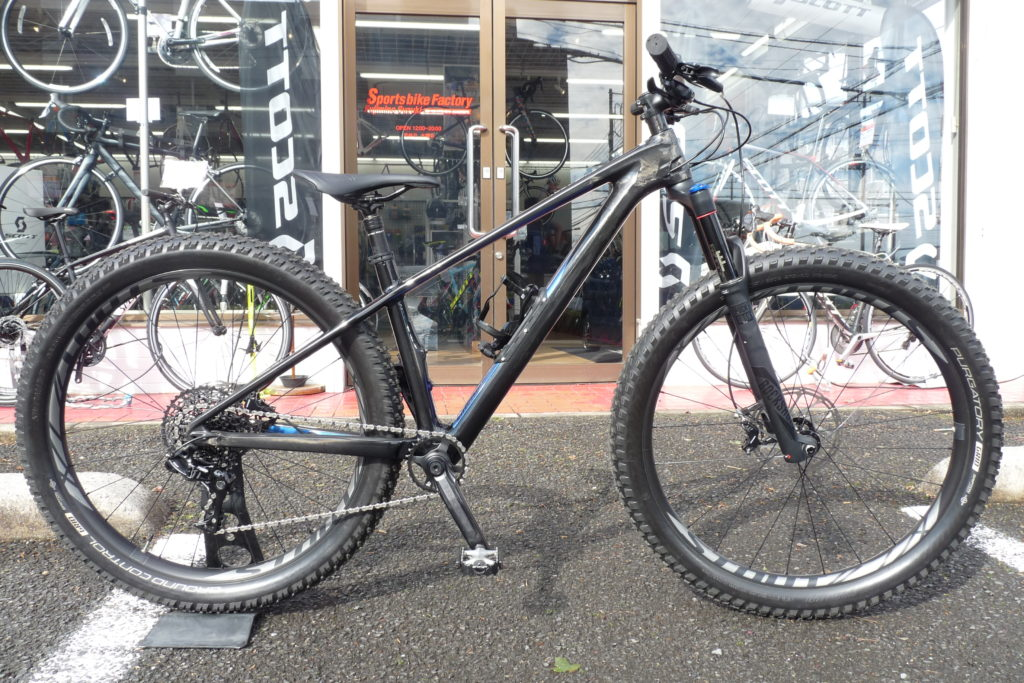 SPECIALIZED  FUSE COMP CARBON 6FATTIE 試乗車あります