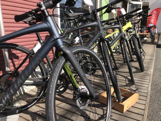 当店一番人気のクロスバイクが特別価格で登場です。